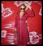 孙燕姿「红服」齐天 要向碧昂丝讨个红包好过年 - 中时电子报