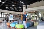 加快装设监视器脚步 东港高中贾宓图书馆4月起对外开放 - 中时电子报
